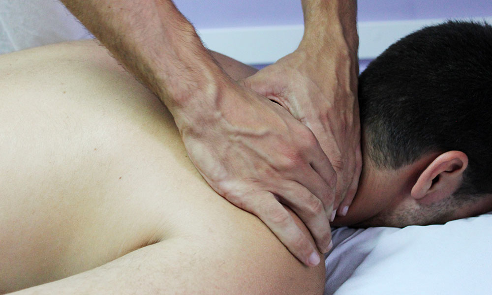 Application d'un traitement ostéopathique